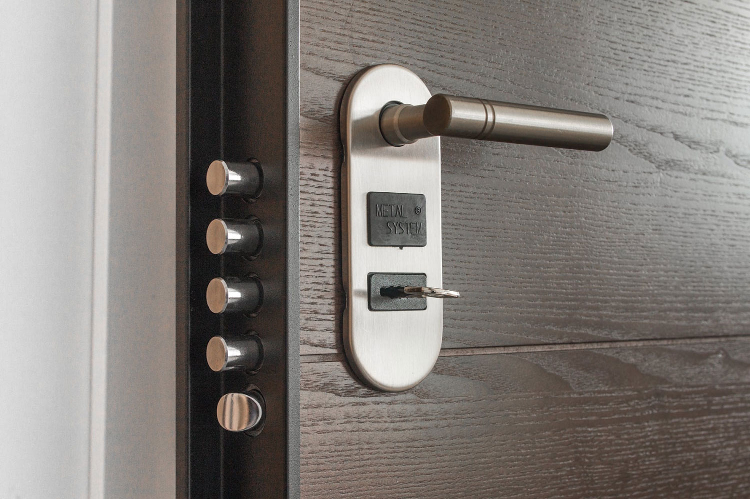 Door with Smart Locks